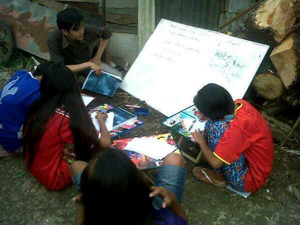 komunitas-mahasiswa-mengajar-anak-jalanan-1